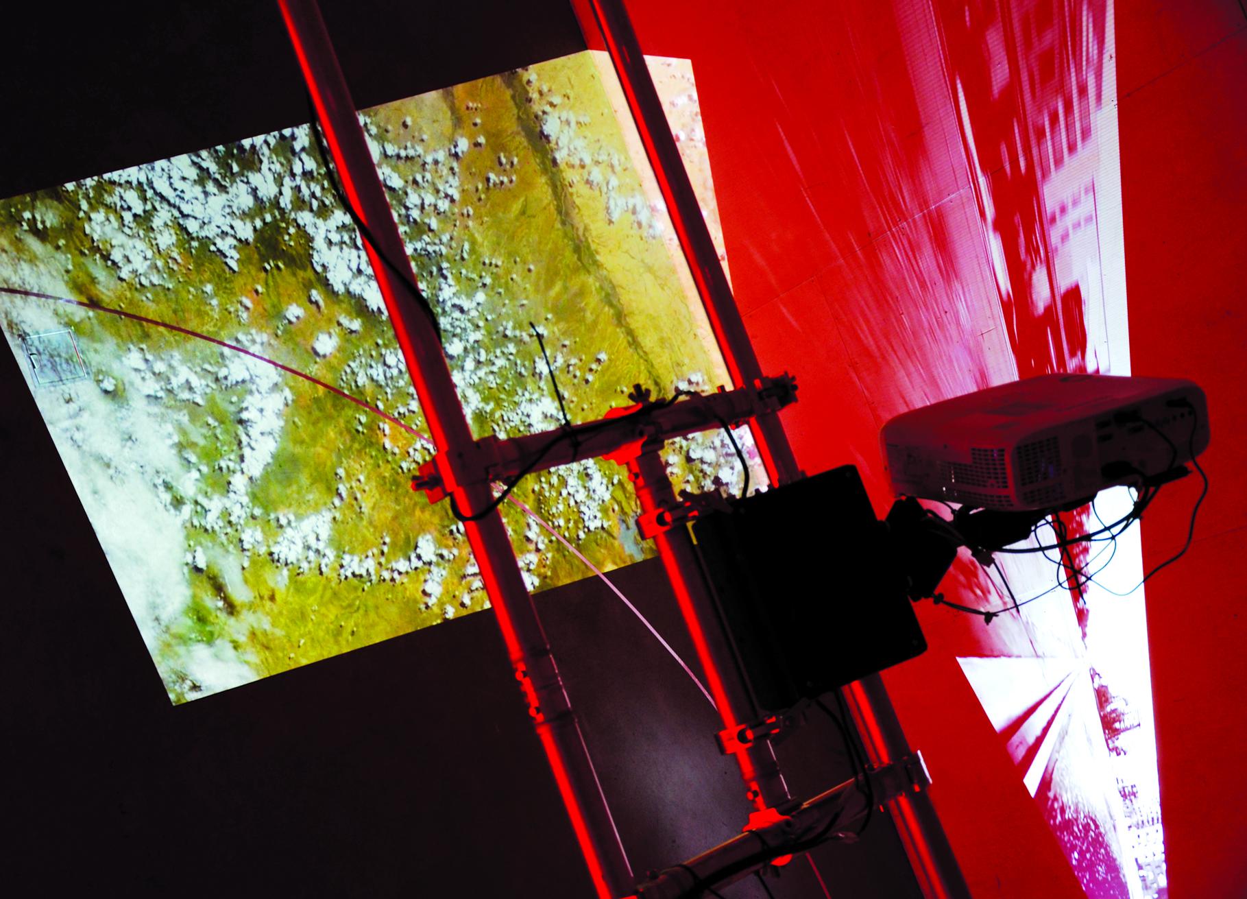 Synne Tollerud Bull vil presentere et begynnende essay som diskuterer arbeidet Time to Reflect Reality fra Urban Ecologies-utstillingen på Medieestetisk arbeidsseminar ved Universitetet i Oslo.